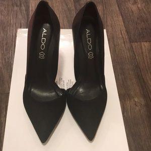 Aldo leather & suede black pump